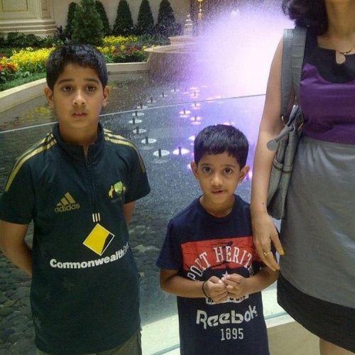 Vikrant Gupta Two son aarav and ishan