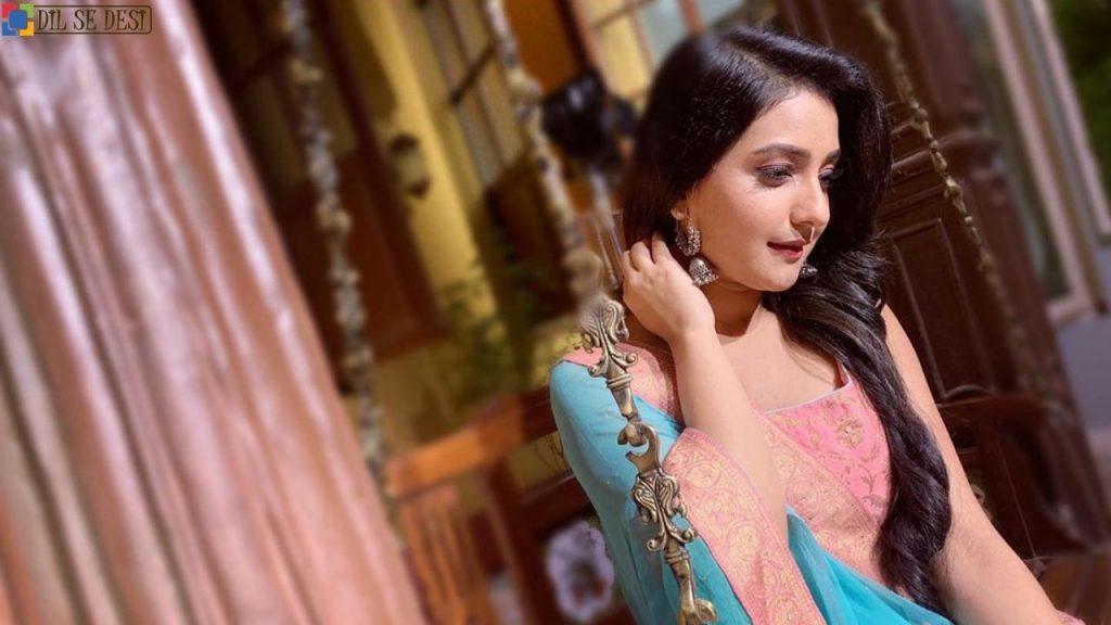 Akshita Mudgal Biography in Hindi
