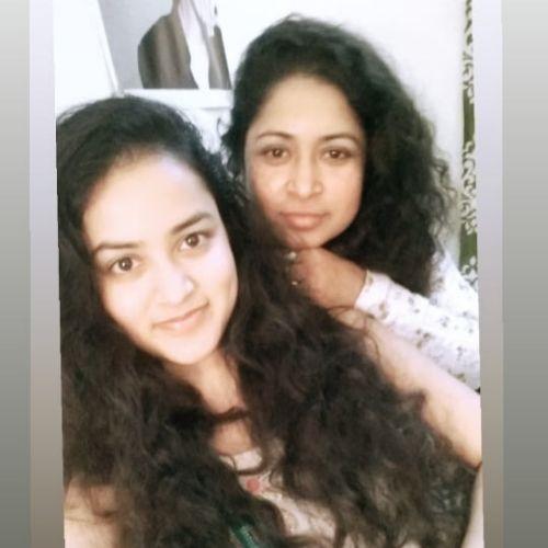 Farhina Parvez with mother