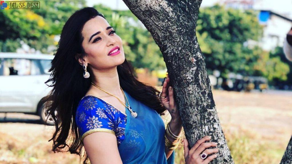 Jiya Chauhan (Actress) Biography in Hindi (1)